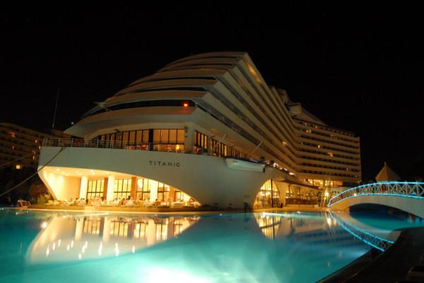 titanic-beach-lara -005