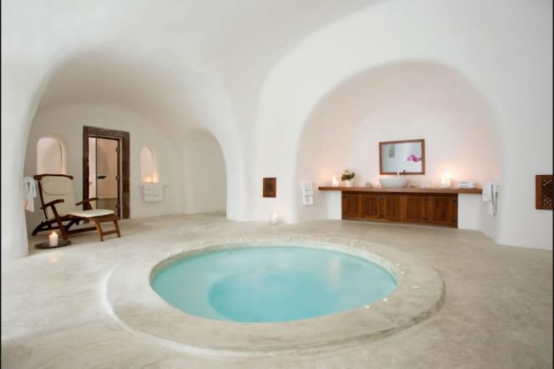 santorini oia Perivolas inside pool