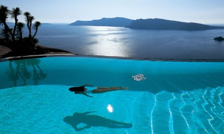 Intimate Escape in Santorini