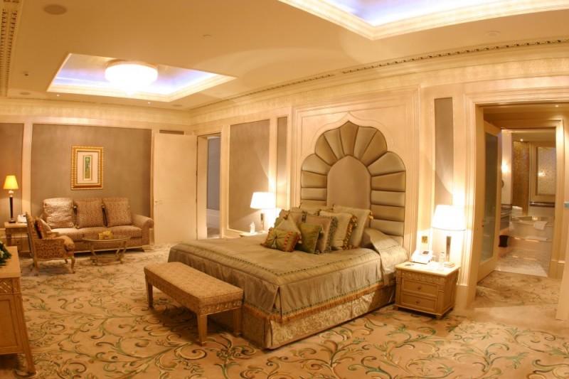Print_Royal-Khaleej-Suite-Bedroom
