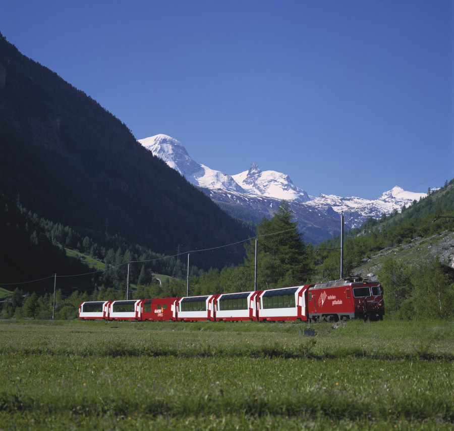 Glacier Express outside photo winter