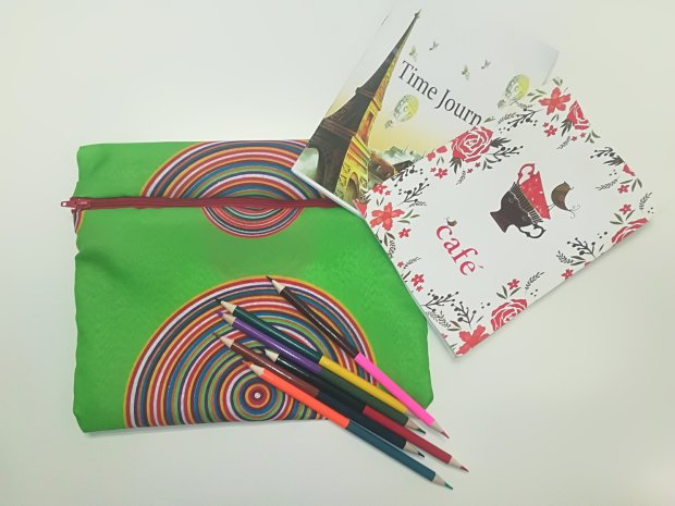 easy zip up document pouch