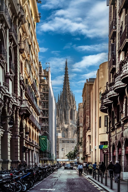 This is the gothic section of town with the Cathedral of Barcelona as the center piece. As I walked back to my hotel I couldn't help but notice this view. I suppose this scene sums up my impression of the city; that is, down every street there is something amazing to see. I think Barcelona is one of those cities where people want to live. It has so much to offer in terms of culture, history, architecture, sports, arts and weather that it would be very easy to just settle here and forget about the rest of the world. But if that's not your thing, there is a Starbucks just around the next corner. See what I mean?