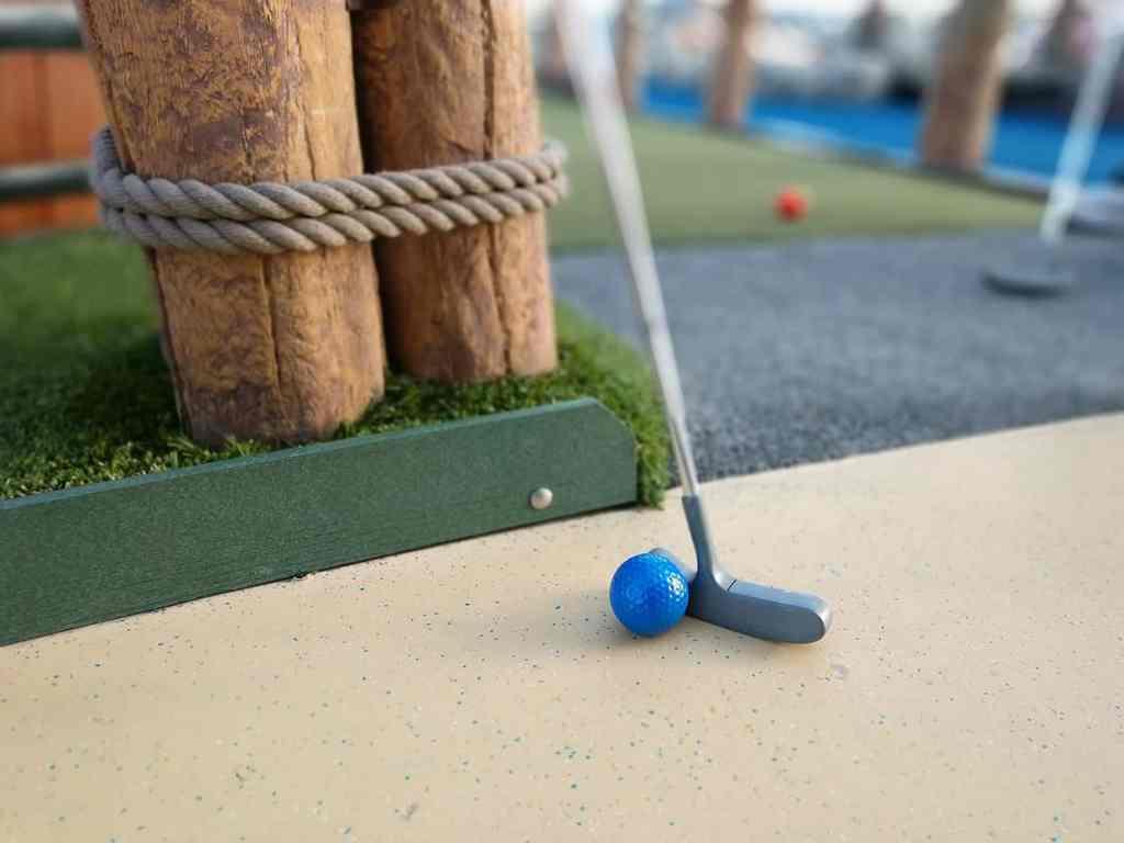 Mini Golf for the Family