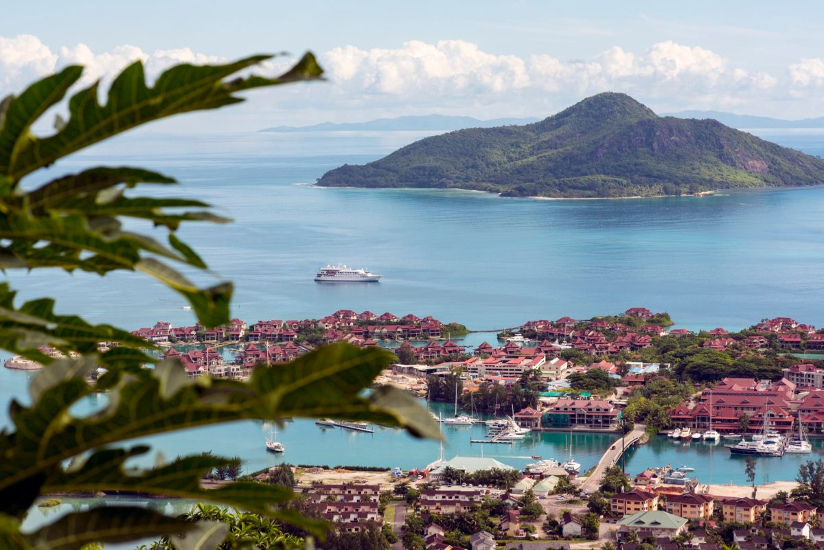 (2023) Yachting the Seychelles Islands on Crystal: Hot Topics in Medical, Dental & Public Health Issues