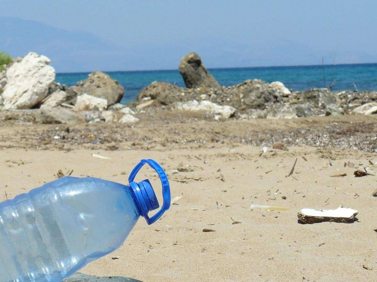 6 Tips om minder plastic op reis te gebruiken