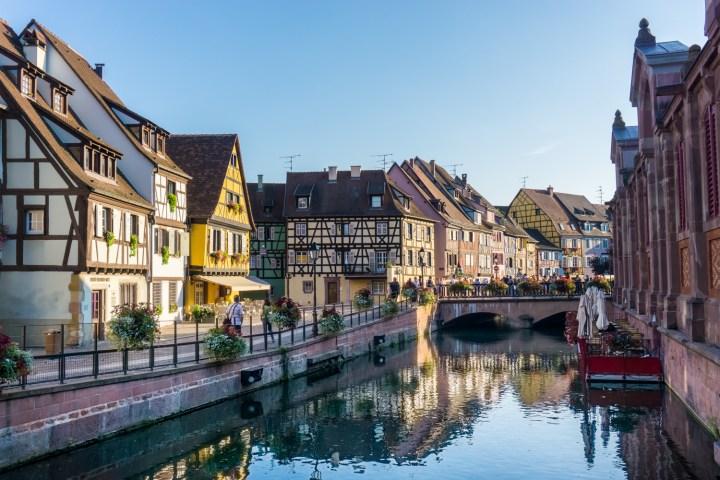 Gracht en markthal in Colmar
