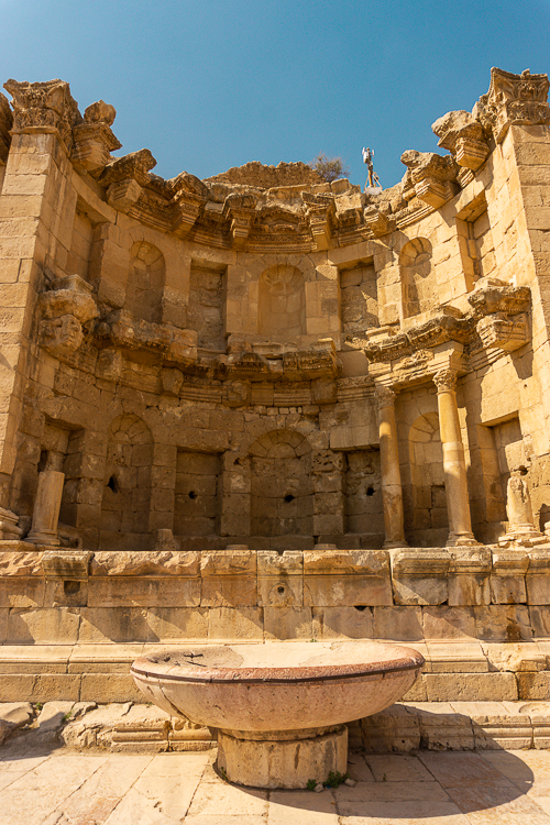 nymphaneum-jerash-jordanie