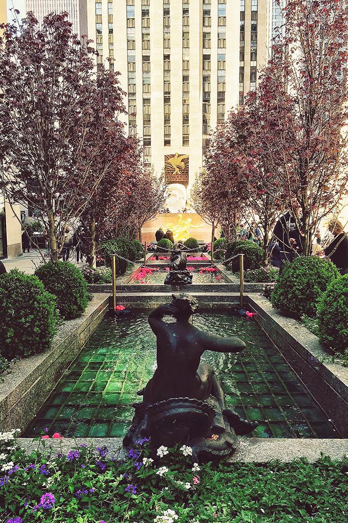 Snapshot   New York City   Rockefeller Center Courtyard // JustineCelina.com