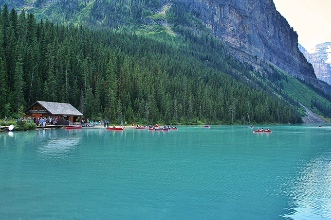 A Day at Lake Louise | Canoe Rentals // JustineCelina.com