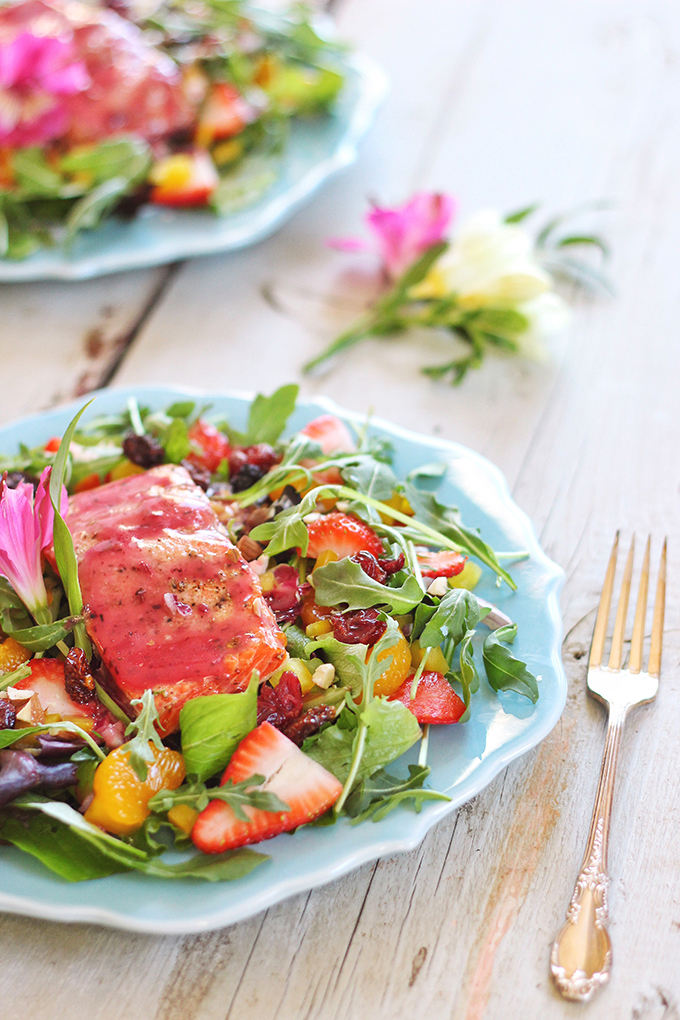Pomegranate Hibiscus Salmon Salad | Recipe Creation for Litehouse Foods // JustineCelina.com