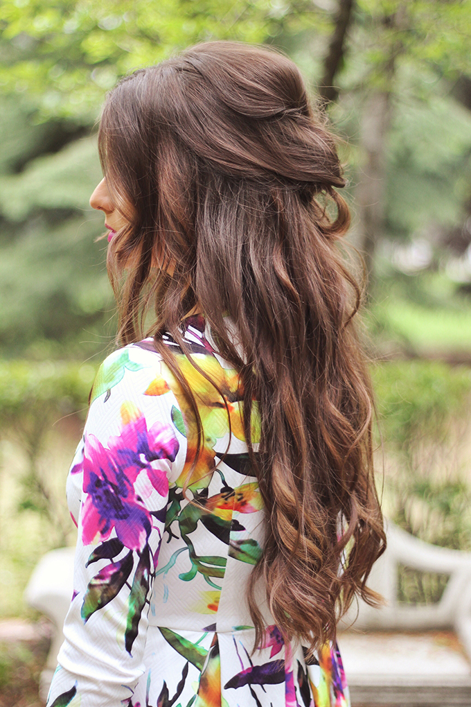 What to Wear to a Spring Wedding | Spring Wedding Guest Hairstyles // JustineCelina.com