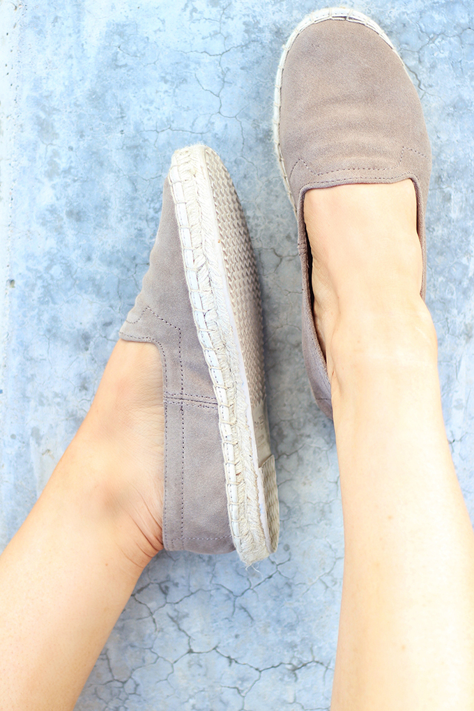 Shoes of Summer + End of Season Sales | GAP Espadrilles // JustineCelina.com