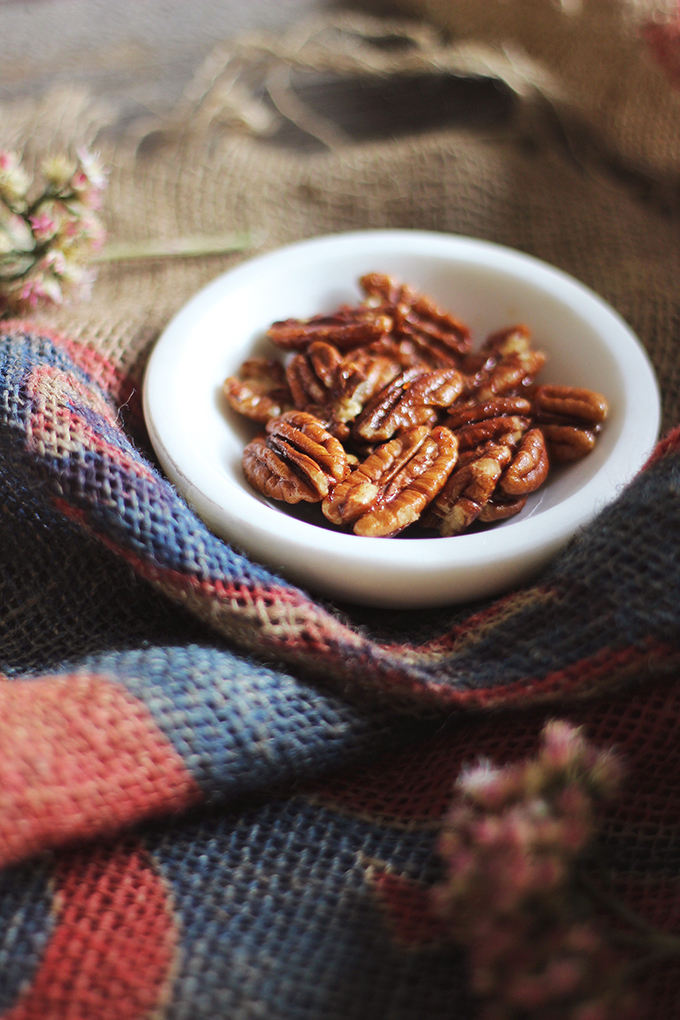 Candied Maple Pecans made with 100% Pure Canadian Maple Syrup // JustineCelina.com