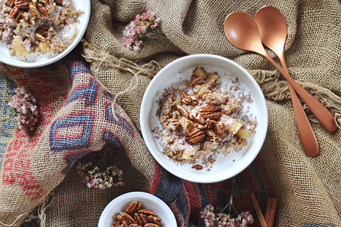 Apple Pie Steel Oats with Candied Maple Pecans // JustineCelina.com