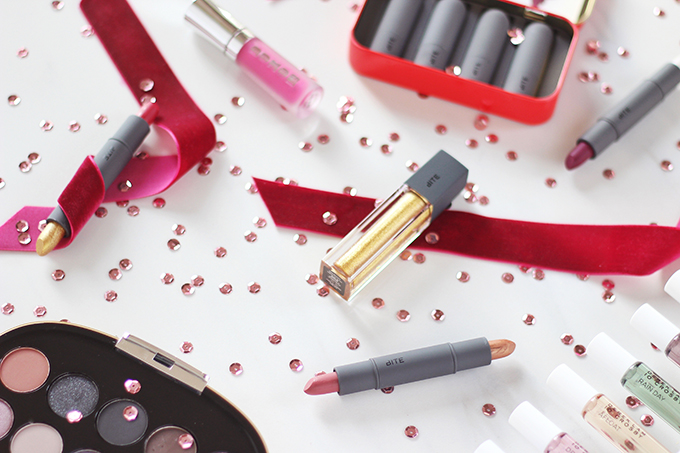 Holiday 2016 Gift Guide for Beauty Lovers // JustineCelina.com