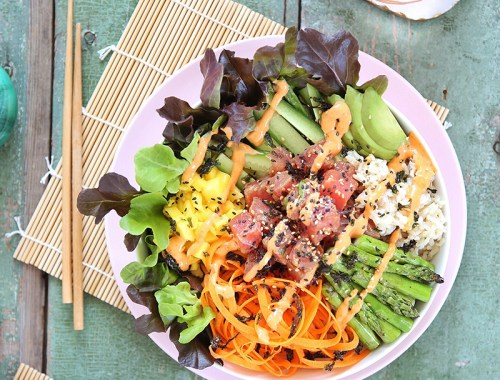 Ahi Tuna Poke Bowl with Citrus Ponzu & Siracha Aioli | #sponsored by @inspiredleafygreens #dairyfree #glutenfree #sustainable // JustineCelina.com