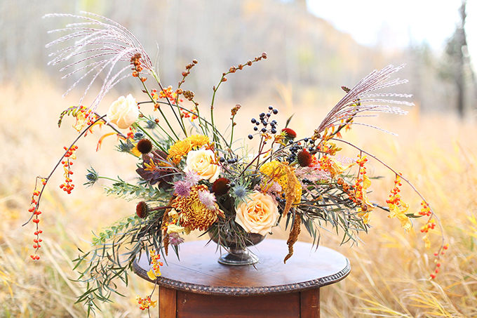The Most Beautiful Autumn Arrangement, Ever | Autumn 2017 Flower Ideas | Modern Autumn Wedding Bouquet Ideas | Modern Autumn Wedding Flower Ideas | Pantone Fall 2017 Colour Trends Flowers // JustineCelina.com x Rebecca Dawn Design