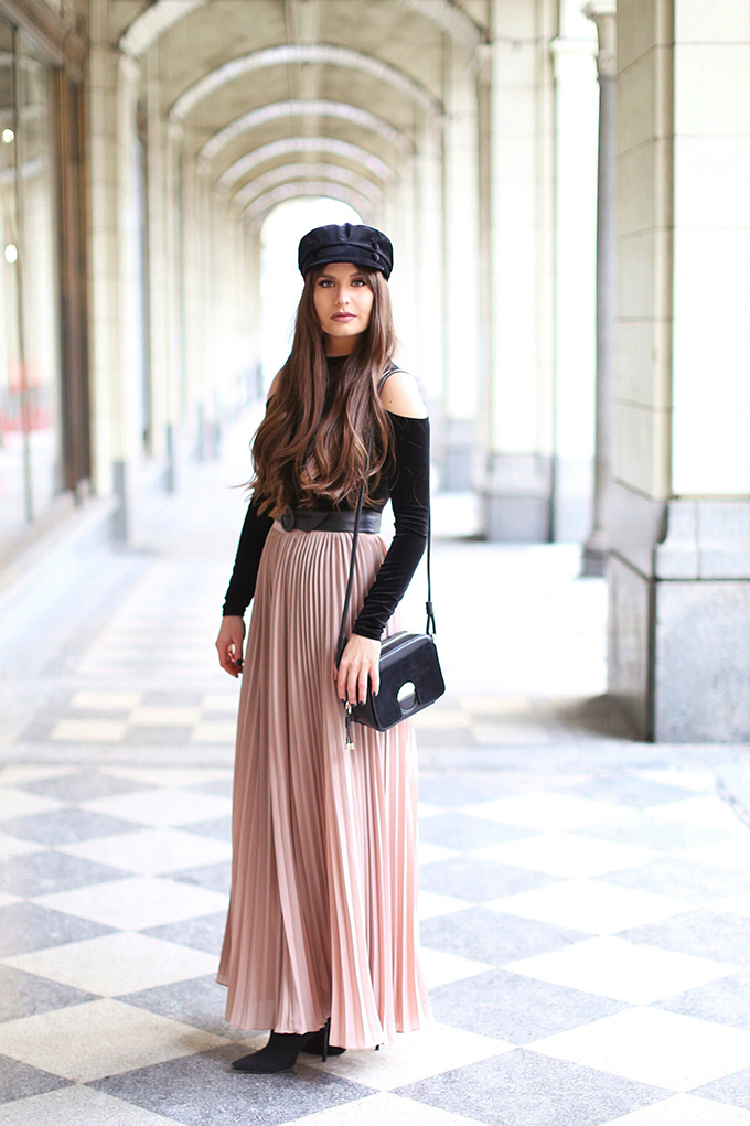 What to Wear to | Casual Holiday Parties | Holiday 2017 | Blush Pleated Maxi Skirt // JustineCelina.com