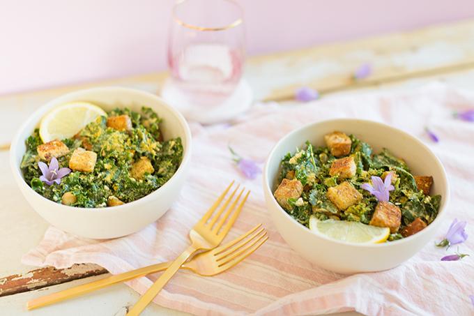 #Vegan Kale Caesar Salad with #GlutenFree Croutons | The Best Vegan Kale Ceasar Salad Recipe | Healthy, #PlantBased Summer Recipes | #MeatlessMonday // JustineCelina.com