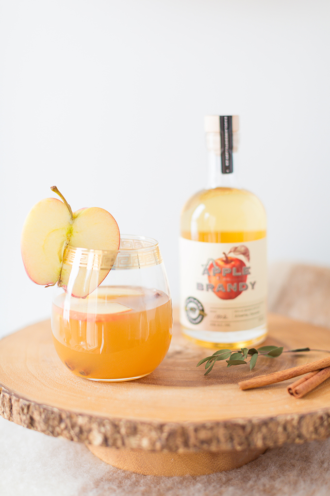 Late Harvest Spiced Apple Sangria   Featuring Eau Claire Distillery's Apple Brandy   The Best Thanksgiving Sangria Recipe   The Best Apple Sangria Recipes   The Best Fall Sangria Recipe   No Added Sugar Sangria // JustineCelina.com