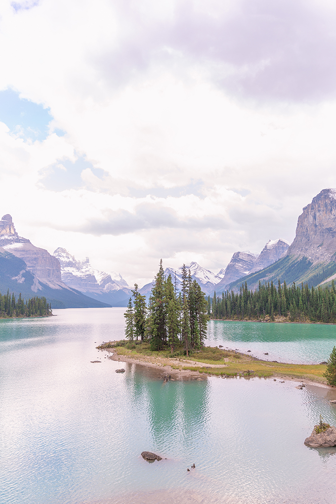 Spirit Island, Maligne Lake, Jasper National Park | September 2018 Long Weekend | Calgary Lifestyle and Travel Blogger // JustineCelina.com