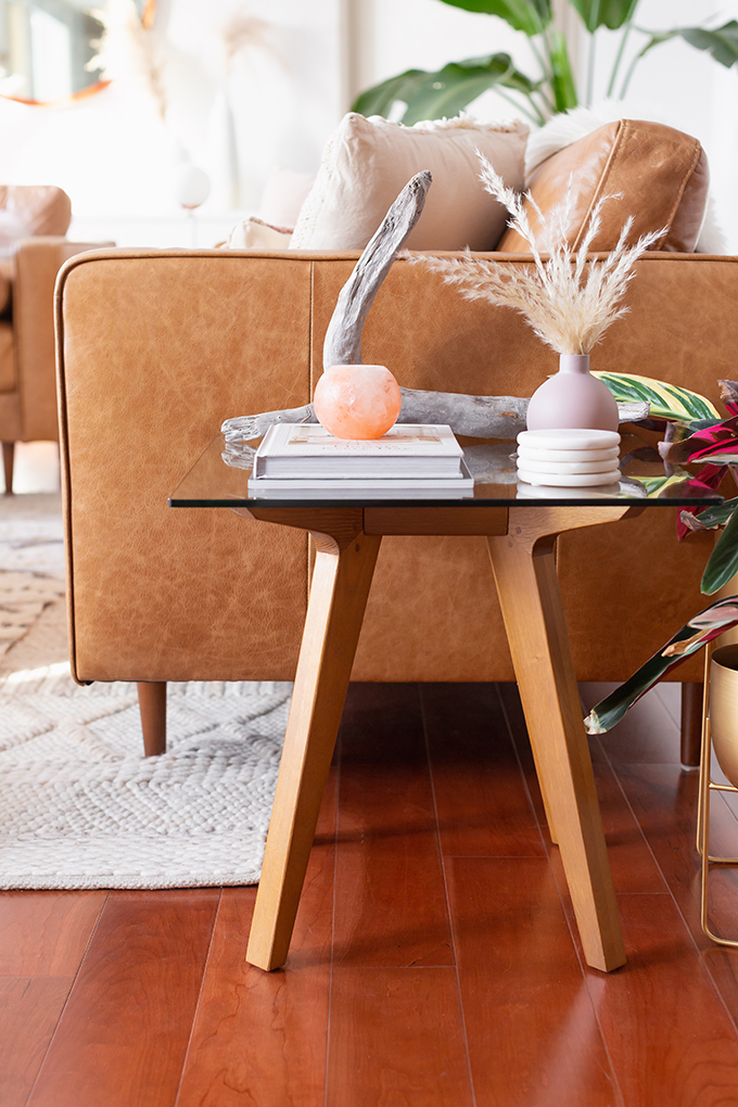 Pantone Colour of the Year 2019 Living Coral Inspiration | How to Incorporate Pantone's Color of the Year 2019 Living Coral in your home | Living Coral Interior Design Trends | Pantone Living Coral Inspiration // JustineCelina.com