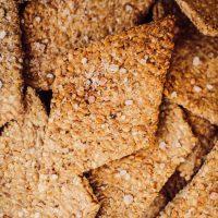 Die schnellsten Kräcker der Welt [2 Zutaten, vegan, glutenfrei, gesund]