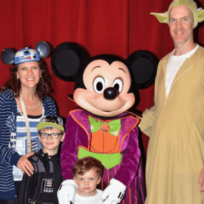 MNSSHP Family with Mickey