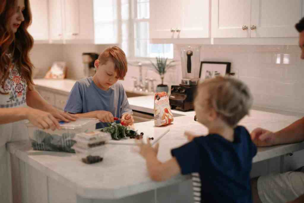 How to Do a Sugar Detox as a Family | justjeslyn.com