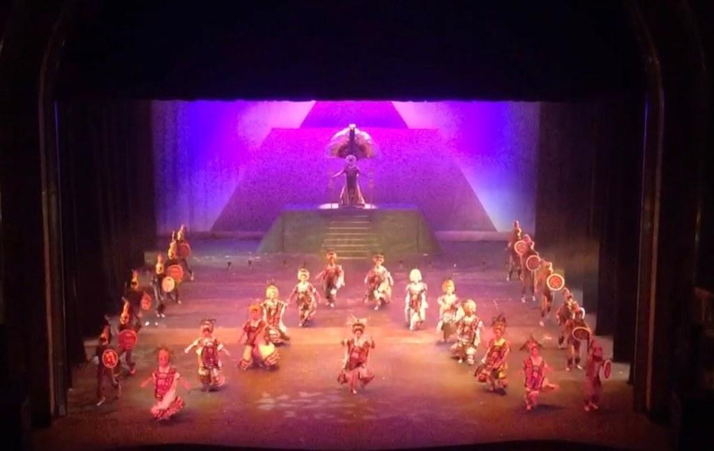 Folklore Ballet   Palacio de Bellas Artes   Mexico City