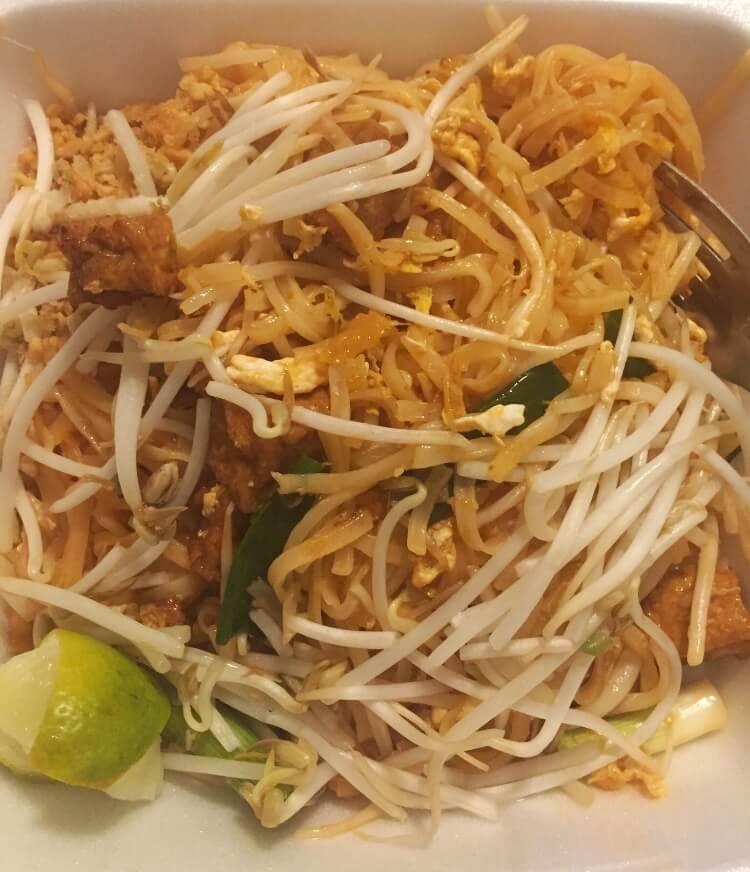 Pad Thai from Zabb Kelowna |The Best Vegetarian and Vegan Restaurants in Kelowna, BC