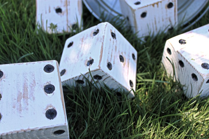 DIY giant yard yahtzee