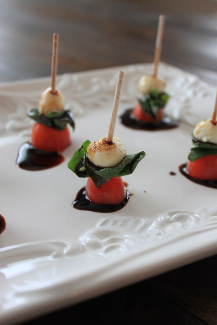 mini caprese salad appetizer