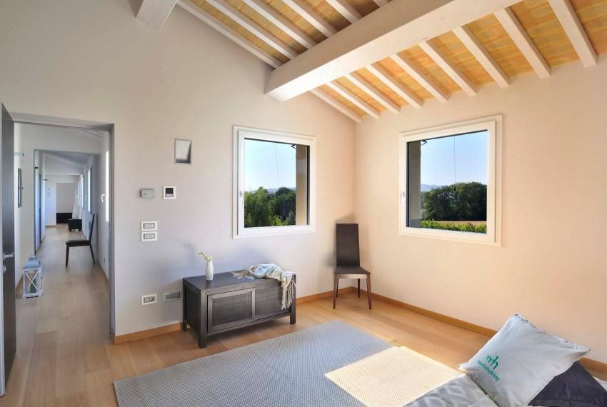 villa agapanti bedroom
