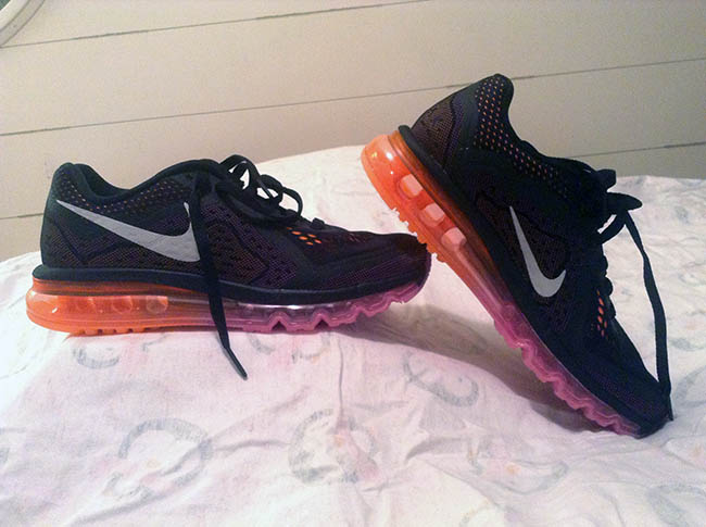 Image of Nike airmax shoes red and black