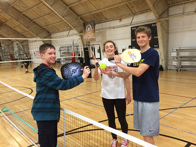 teenager-picklball-team