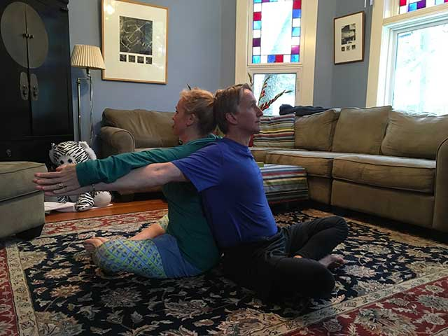 image of partners yoga - chest stretch