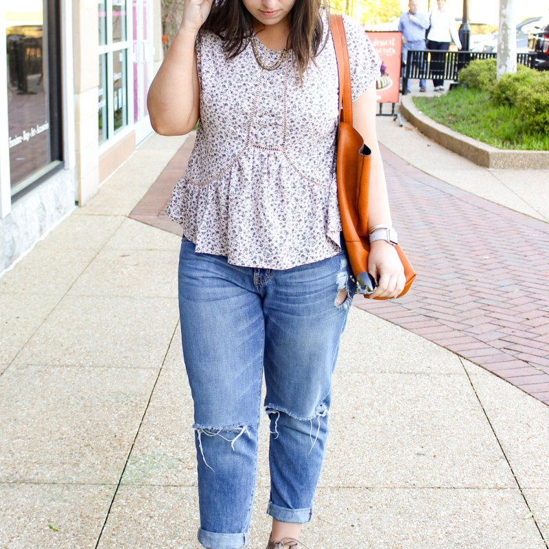 How to Wear Boyfriend Jeans for Spring | Just Peachy Blog