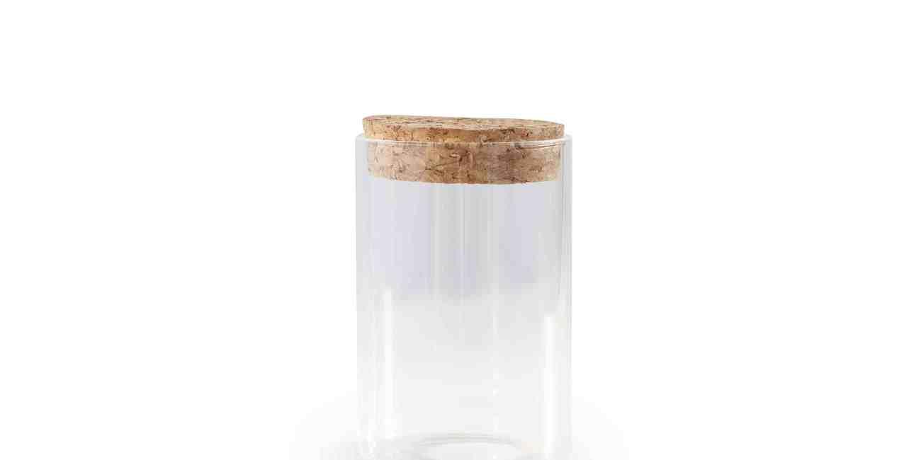 Glazen potje met kurken deksel