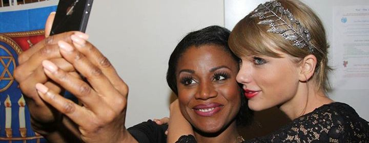 Taylor Swift backstage Carole King Musical