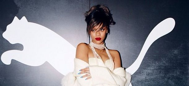 Rihanna World Peace #R8