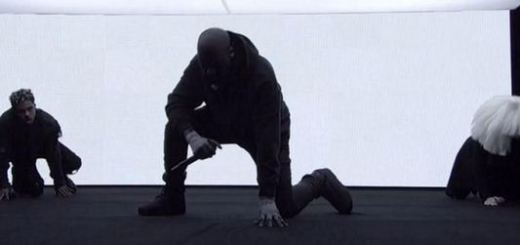 "kanye west performs ""wolves"" on SNL 40"