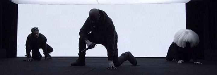 """kanye west performs """"wolves"""" on SNL 40"""