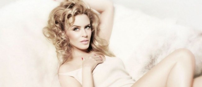 Kylie Minogue – Every Day's Like Christmas (Music Video)