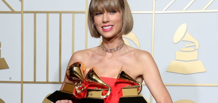 taylor swift poses in the press room during The 58th GRAMMY Awards at Staples Center on February 15, 2016 in Los Angeles, California.
