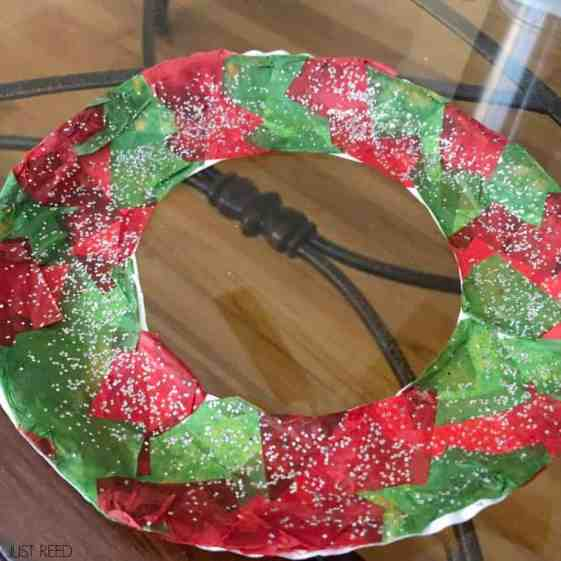 Christmas crafts for the classroom that are fun and easy!