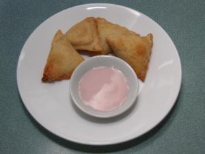 Oven-baked Vegetable Samosas with Raspberry Yogourt sauce