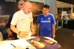 Courts x Frank Leboeuf - Meet & Greet Fans 25 Apr 2015 (5)