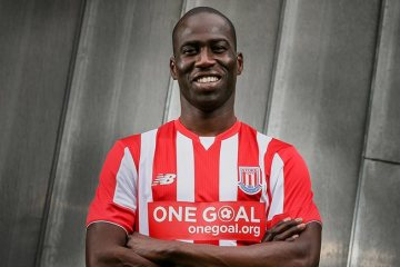 SCFC-Barclays-Asia-Trophy-Home-Kit-with-One-Goal